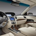 The-luxurious-RLX-interior