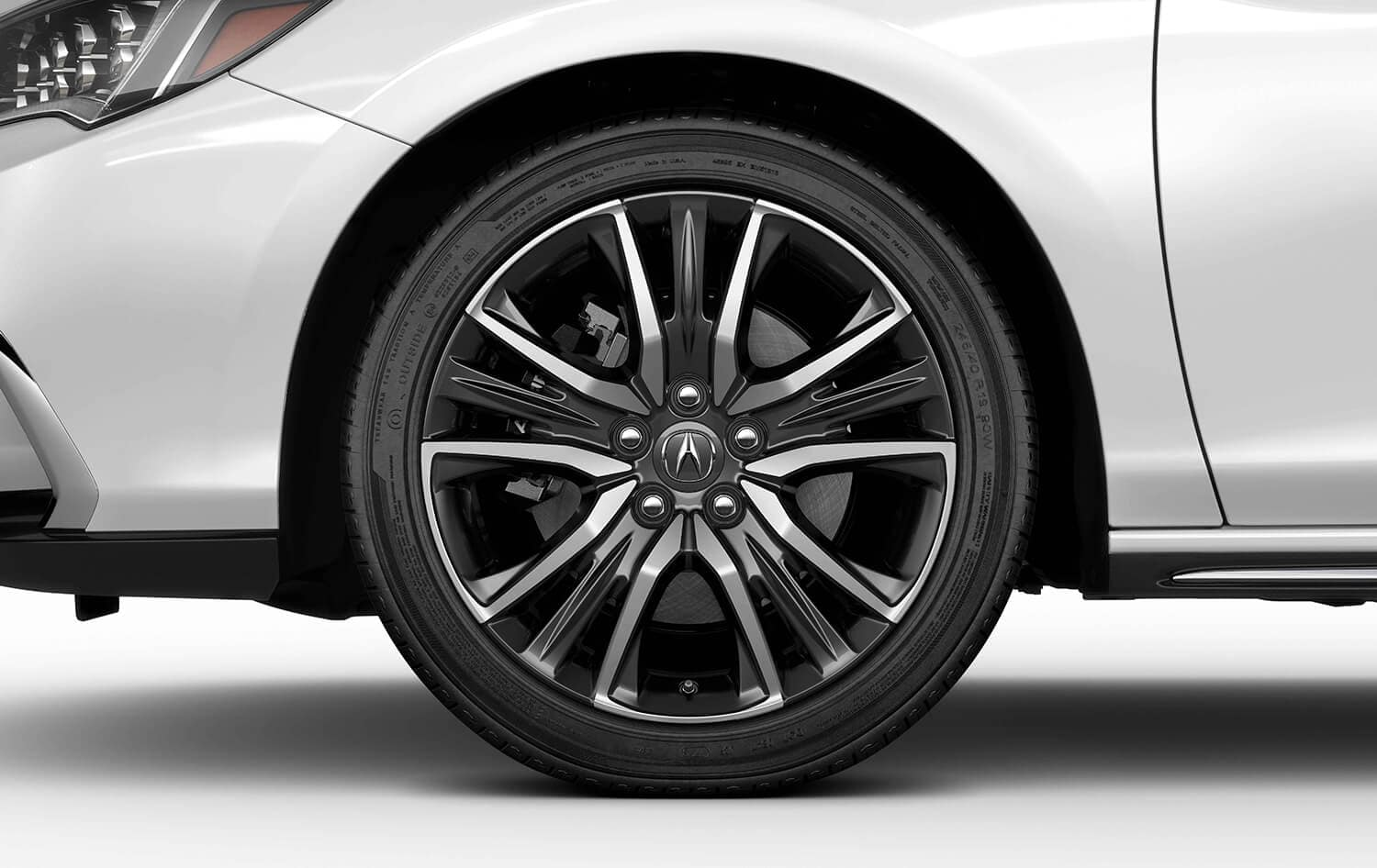 2019 Acura RLX Exterior Wheel Closeup