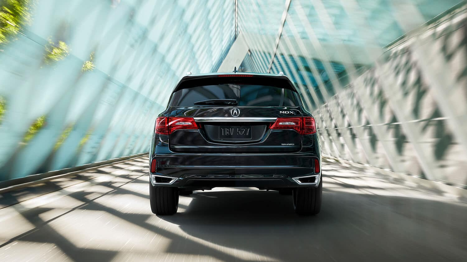 2019 Acura MDX Exterior Rear Angle Dual Exhaust