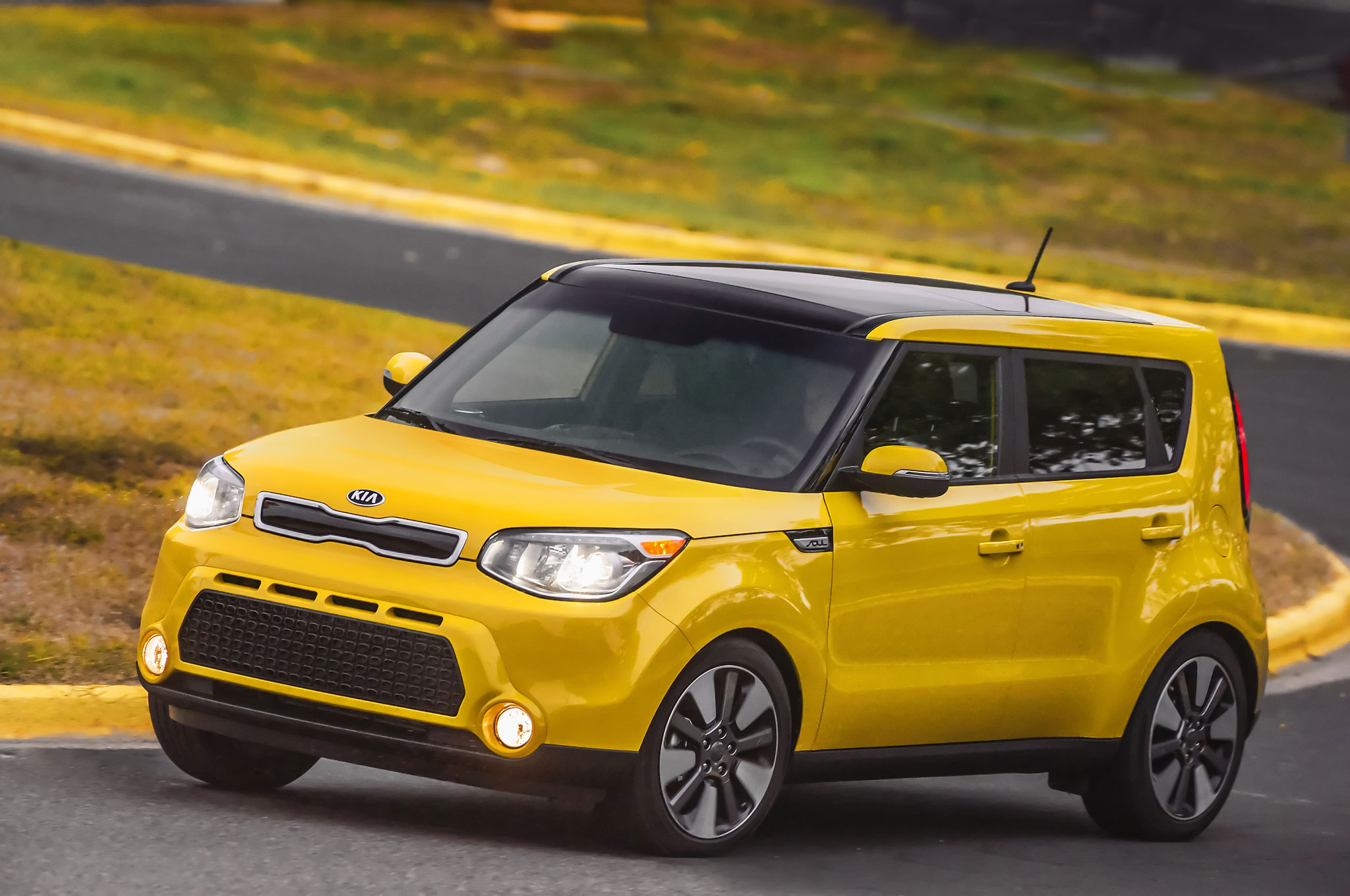 2016 Kia Soul Front Three Quarter In Motion Kia Country Of Charleston