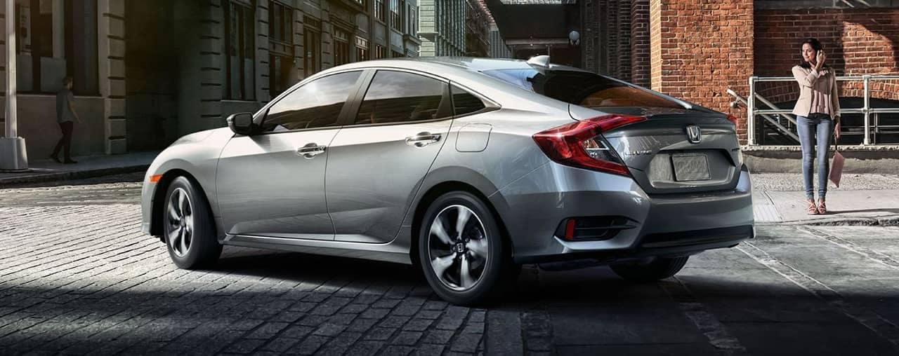 2018 Honda Civic Sedan Touring turning city street