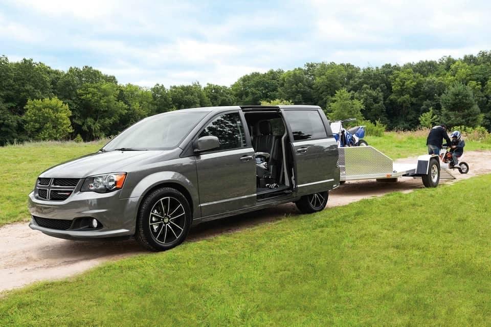 2019-Dodge-Grand-Caravan-Canada-towing