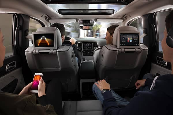 2019 Jeep Grand Cherokee Entertainment