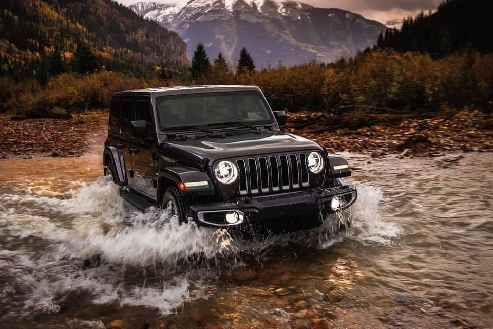 2019-Jeep-Wrangler-driving-through-water