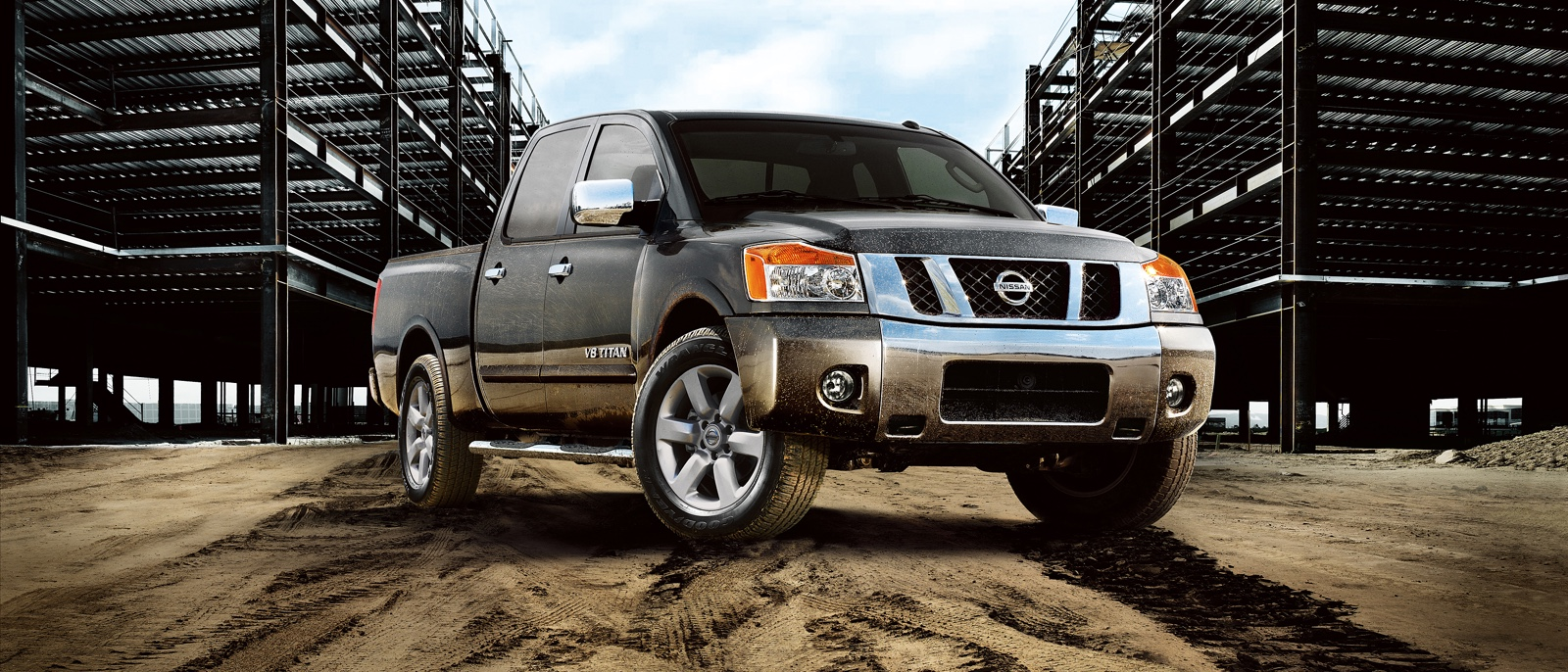 2015 nissan titan swift current regina knight nissan. Black Bedroom Furniture Sets. Home Design Ideas
