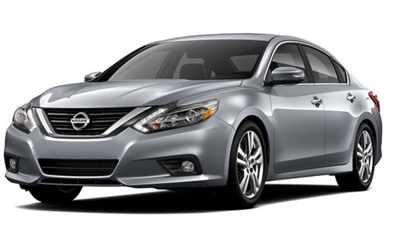 2016 Nissan Altima light grey exterior