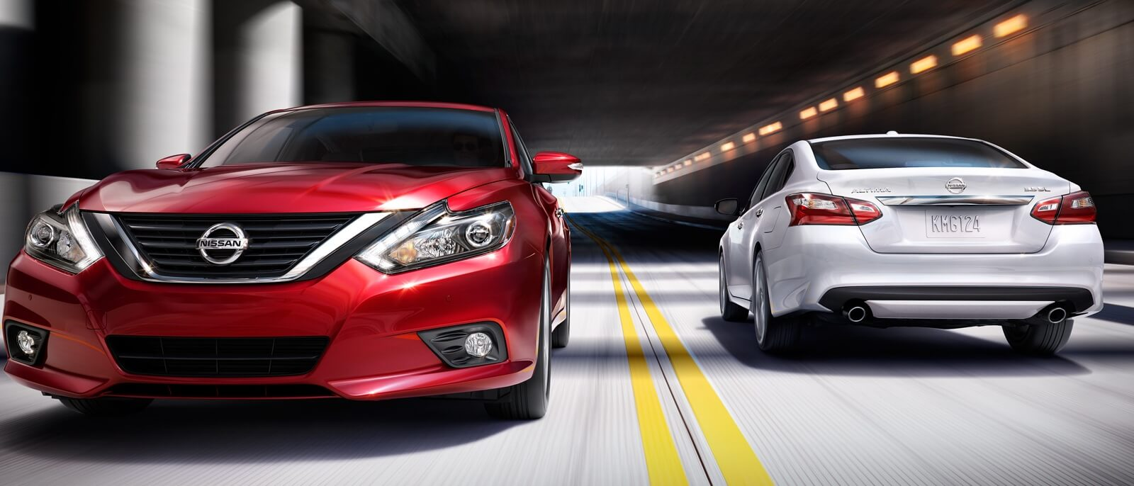 2016 Nissan Altima models on display