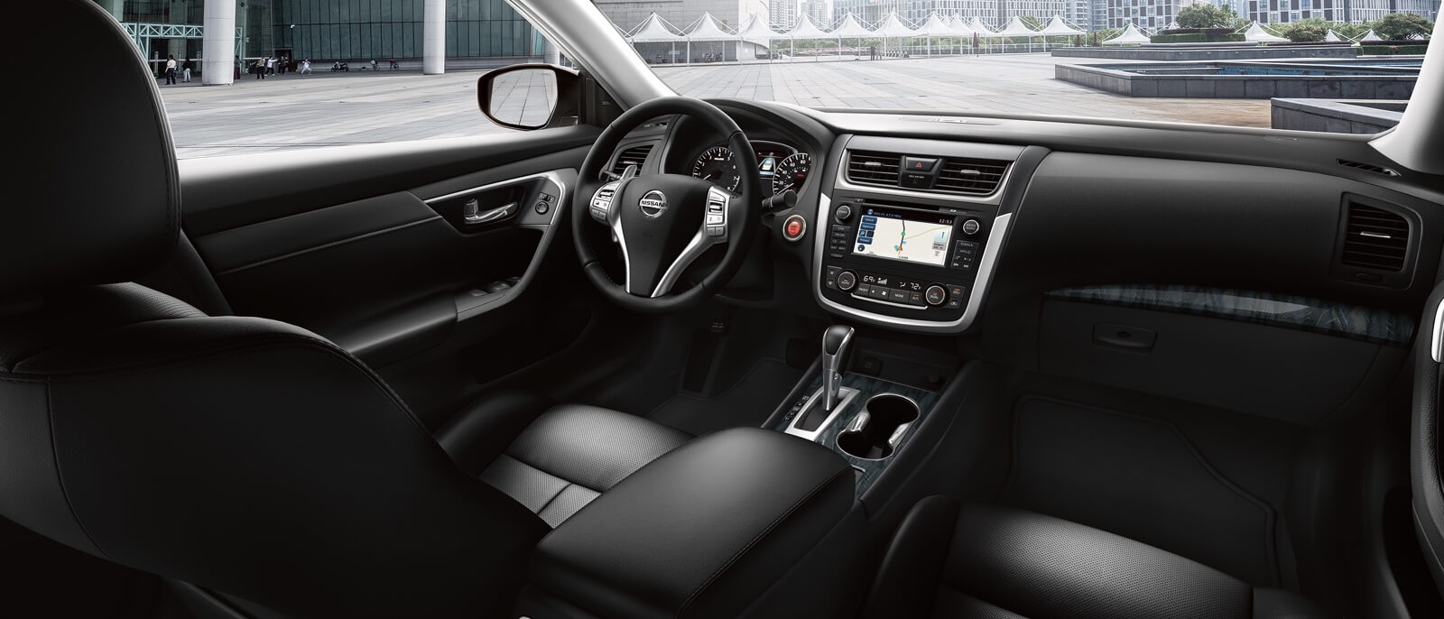 2016 Nissan Altima interior features