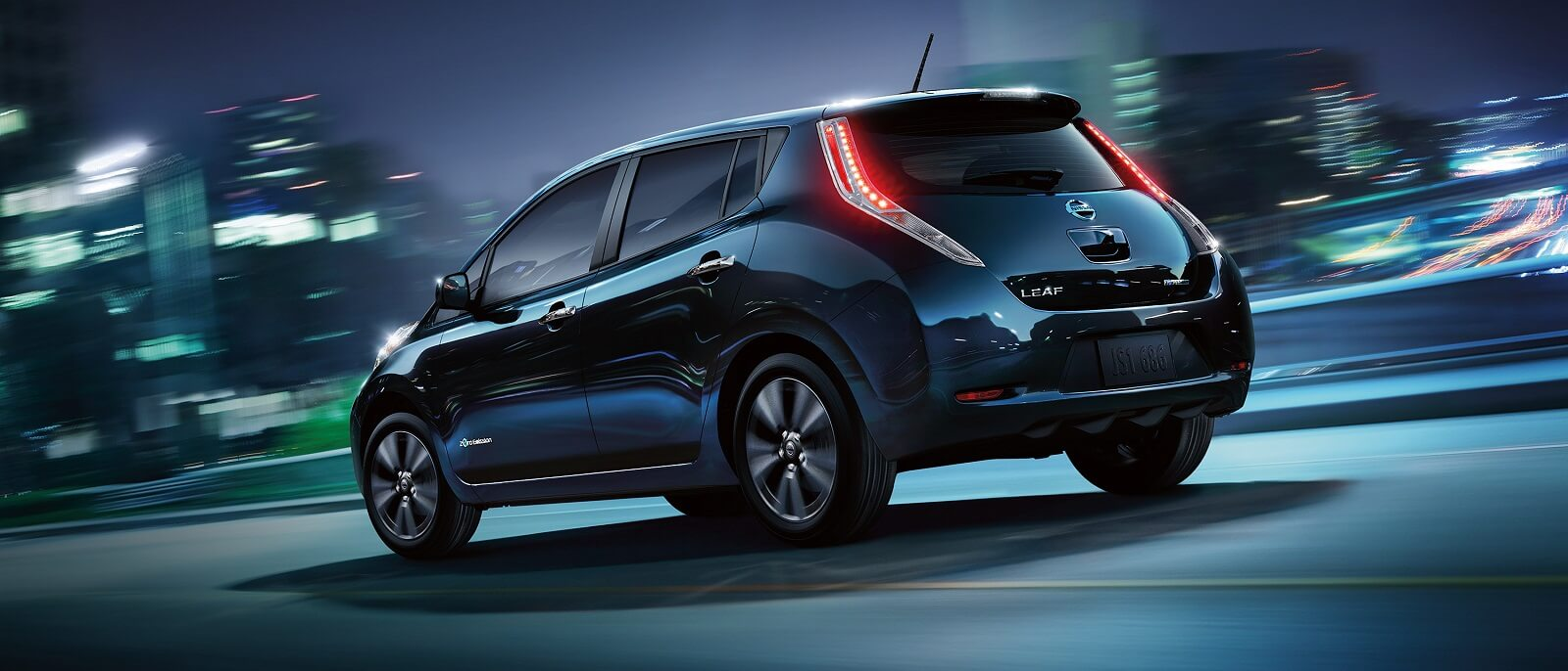 2016-nissan-leaf-rear