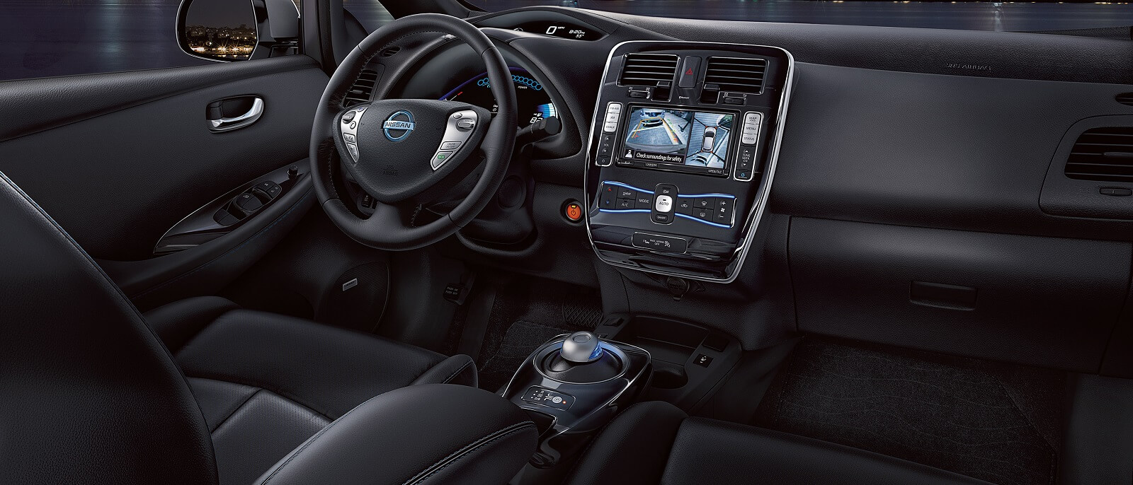 2016-nissan-leaf-interior