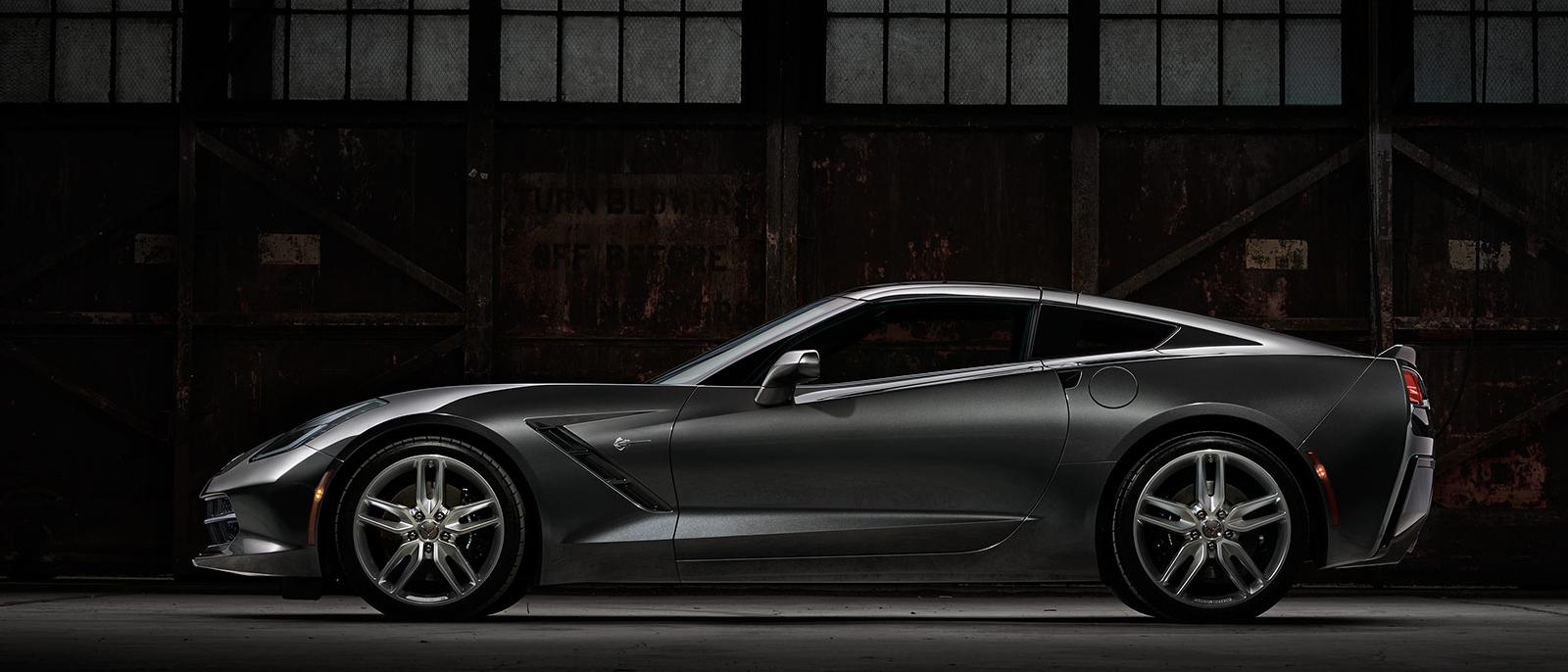 2017-Chevrolet-Corvette-Stingray-slide1-1-1