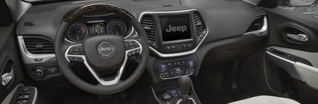 https://di-uploads-pod3.dealerinspire.com/laurentianchrysler/uploads/2017/01/JEEP-Cherokee-dashboard.jpg