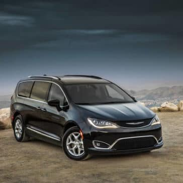 2018 Chrysler Pacifica front view Laurentian Chrysler Sudbury