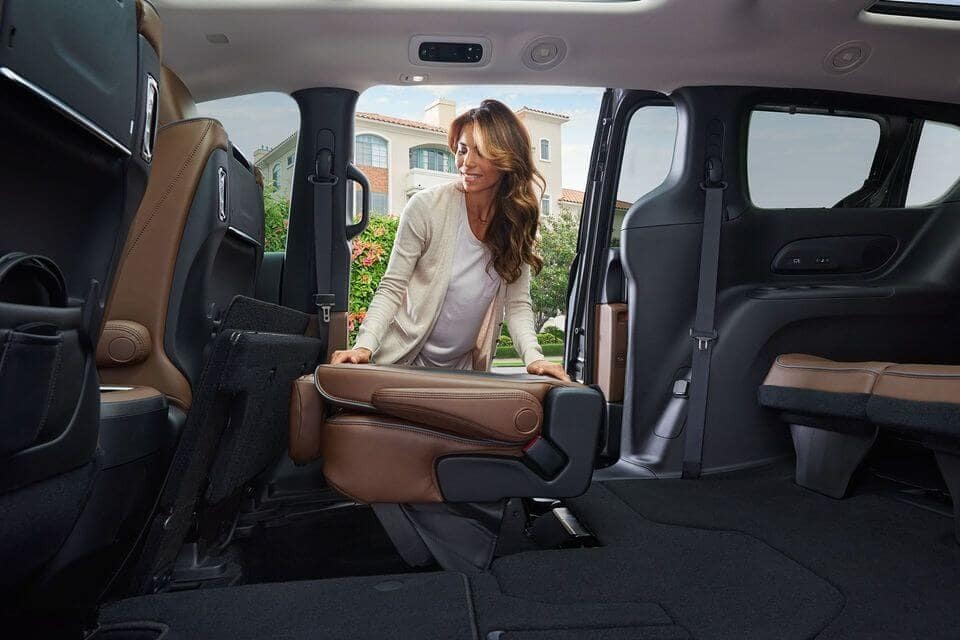 2018 Chrysler Pacifica interior features Laurentian Chrysler Sudbury