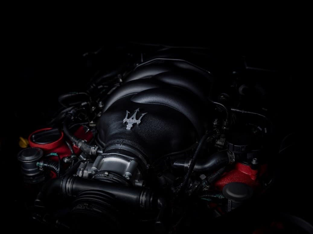 Maserati GranTurismo Convertible engine with silver trident badge