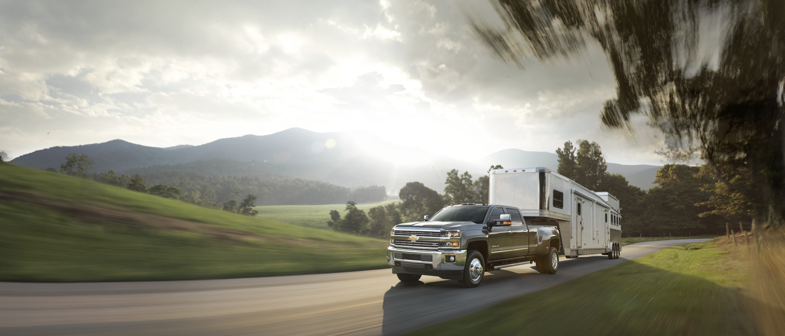 2015 Chevrolet Silverado 1500 tow trailer