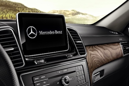 2019 Mercedes-Benz GLE SUV touchscreen