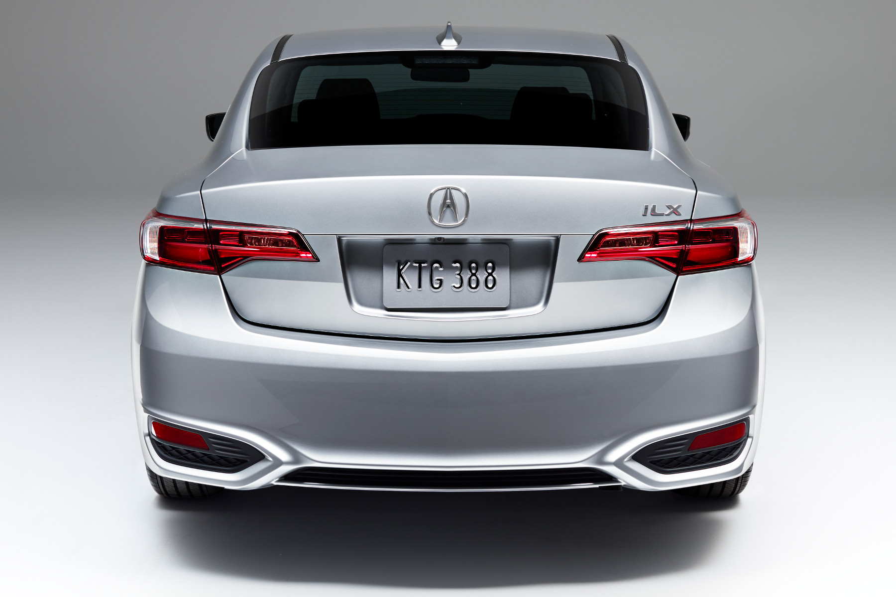 MY16-ILX-Rear-Slate-Silver-Metallic-Base