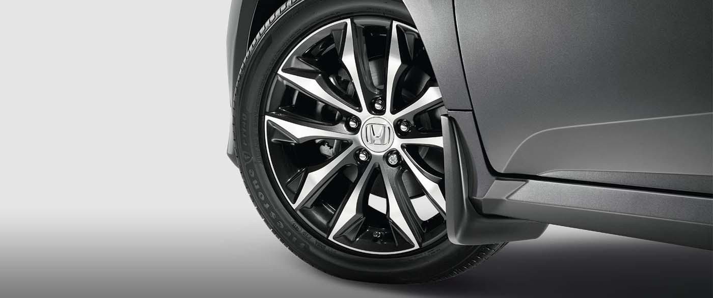 2017 Honda Civic Wheel closeup