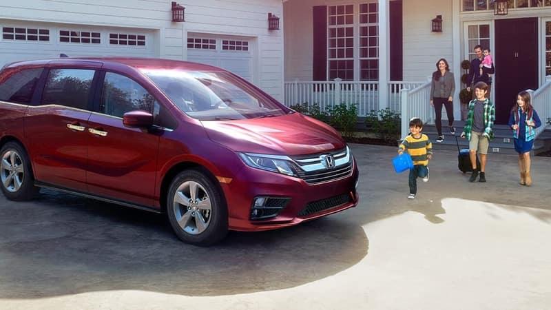2018 Honda Odyssey red exterior