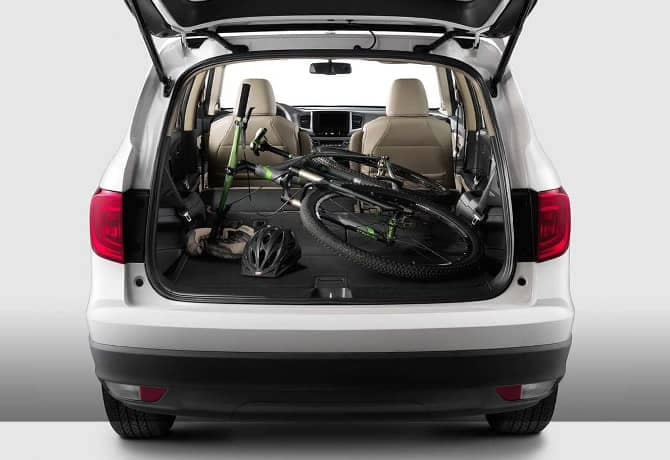 2018 Honda Pilot with fold-down seats for cargo space