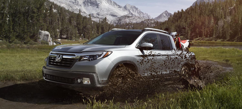 2018 Honda Ridgeline Driving In Mud