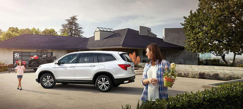 2018 Honda Pilot Parking Lot