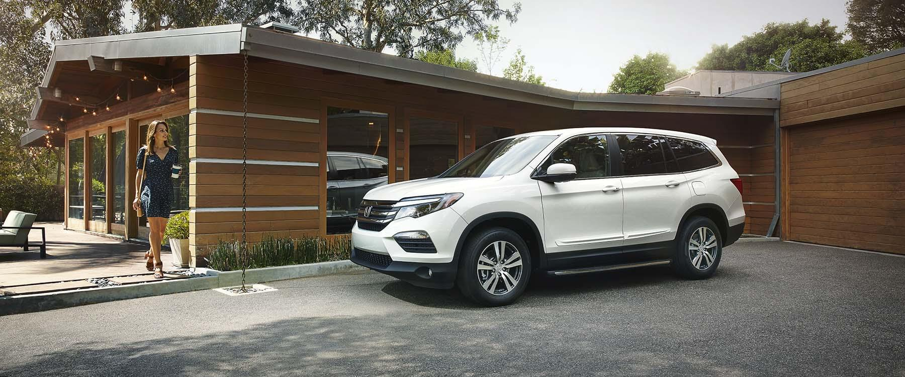 Interior features of the 2017 honda pilot for 2017 honda pilot features