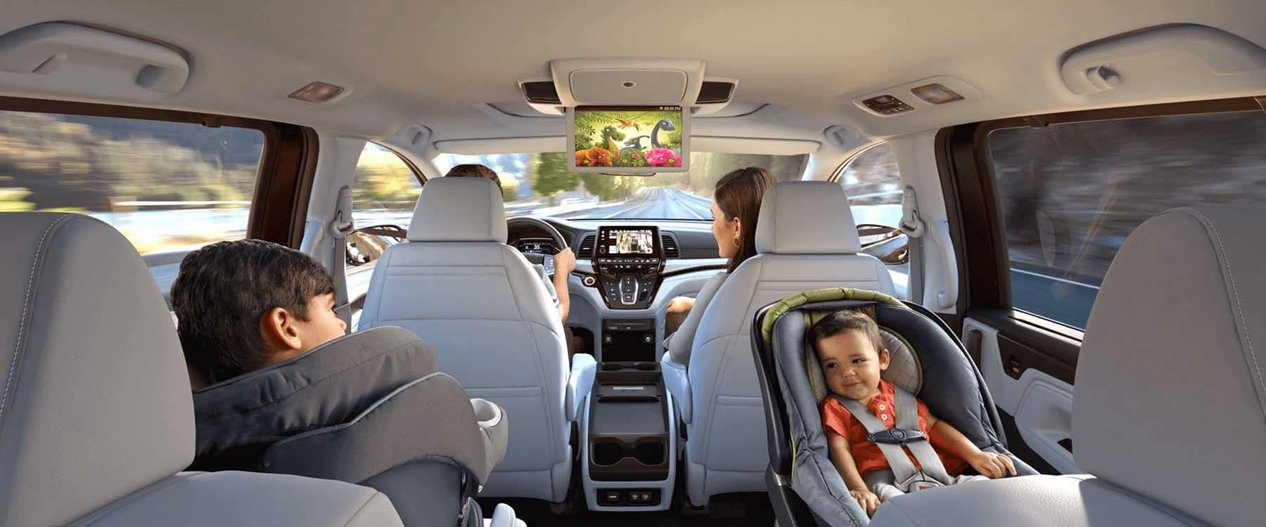Family driving in a 2019 Honda Odyssey