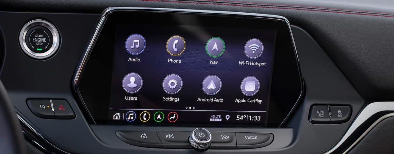 The infotainment screen and application icons are shown in a 2021 Chevy Blazer.