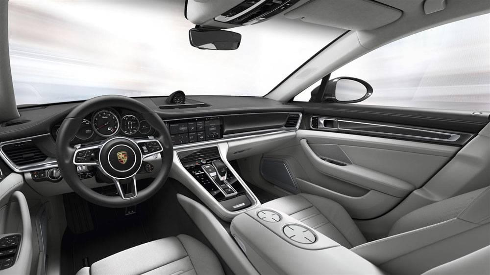 2017 Porsche Panamera 4S Sedan