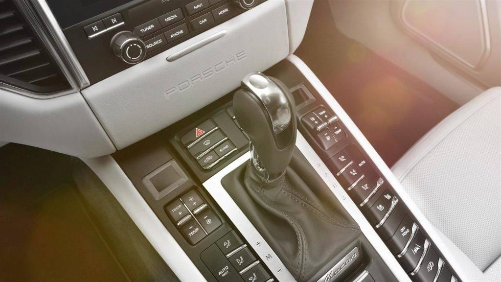 Macan Turbo Interior