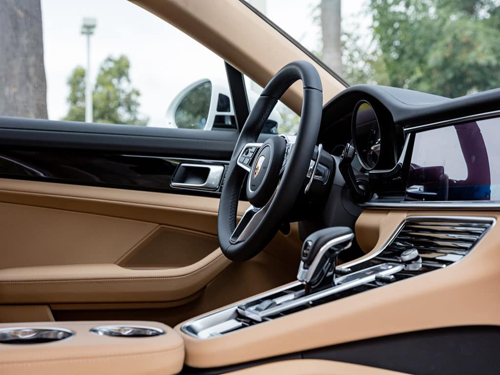 Porsche Tops Wards 10 Best Interiors List Porsche Fremont
