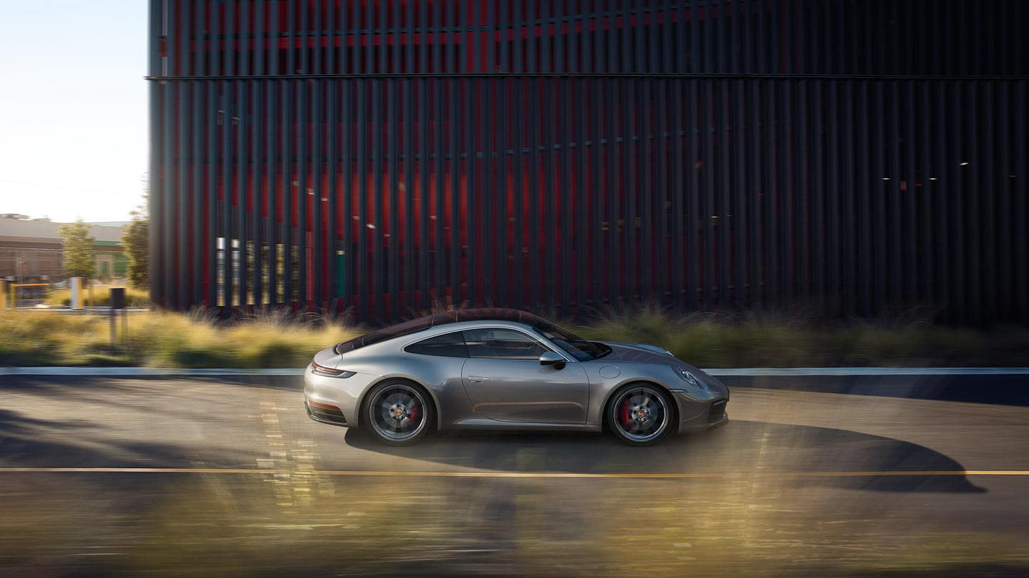 2019 Porsche Carrera 4S Profile