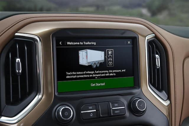 in vehicle trailering system