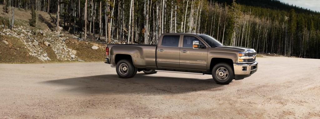 Chevrolet Silverado 3500HD side view
