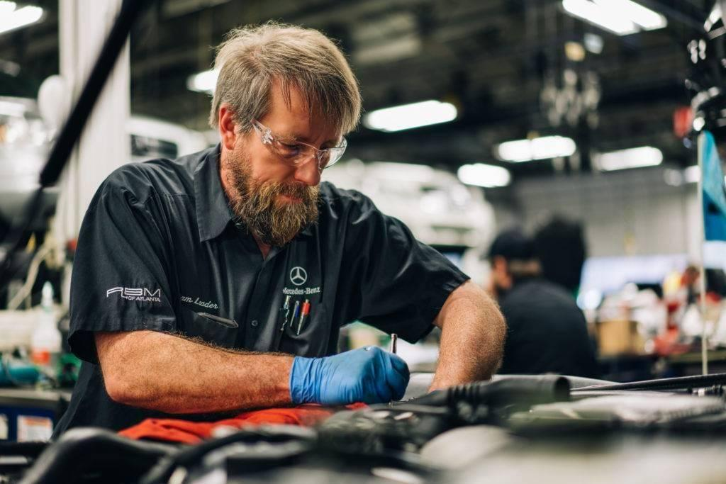 Mercedes-Benz Master Technician and Team Leader