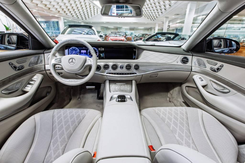 mercedes-bnez s550 interior and technology