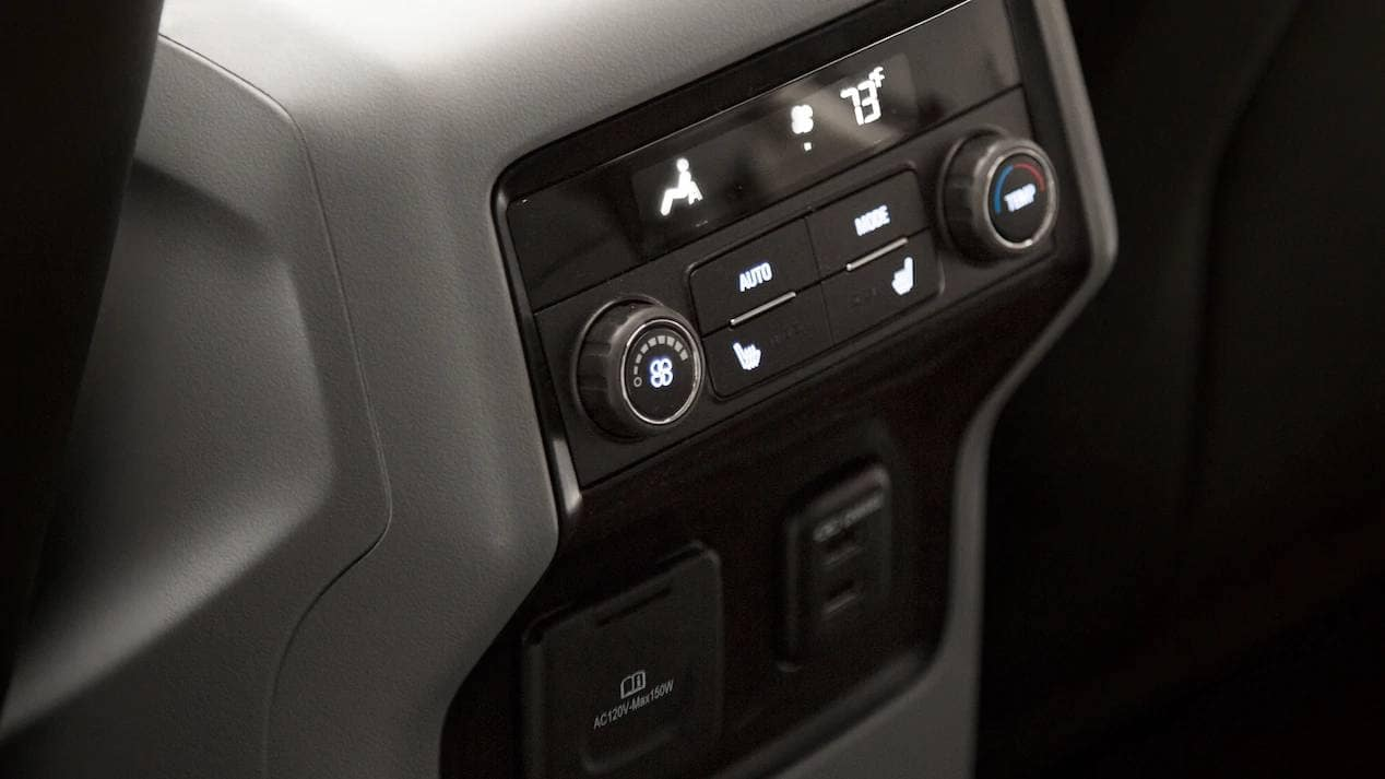 2019 GMC Acadia interior features