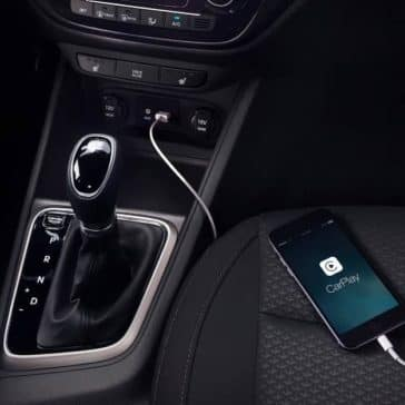 2019-Hyundai-Accent-charger-and-apple-carplay