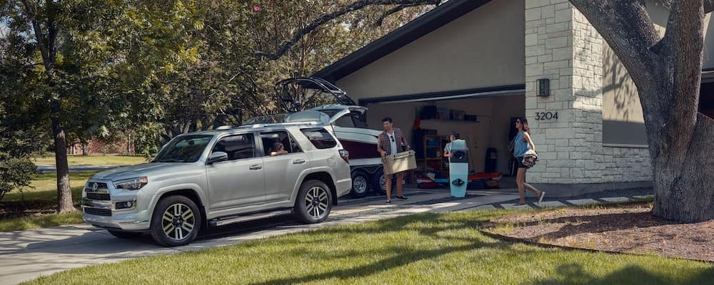 2019 toyota 4runner being packed up