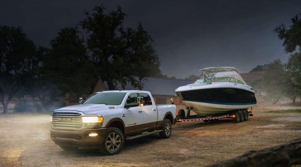 Heavy-duty RAM pulls a large boat