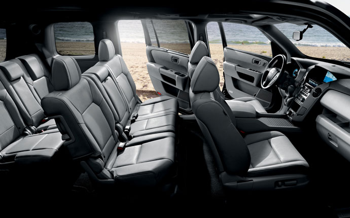 the 2015 honda pilot interior is built for the active family. Black Bedroom Furniture Sets. Home Design Ideas