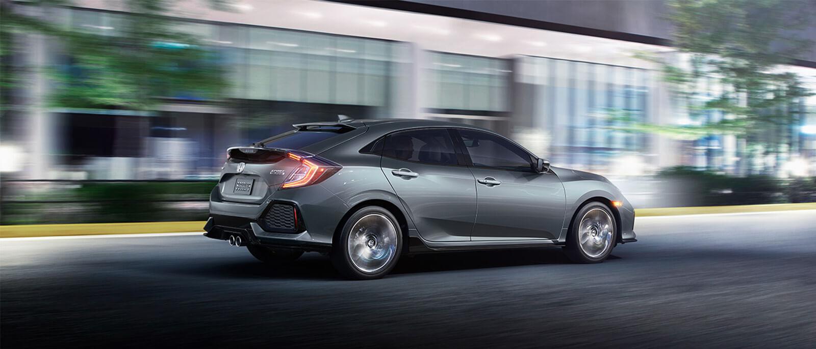 2017-Honda-Civic-Hatchback-Slide1