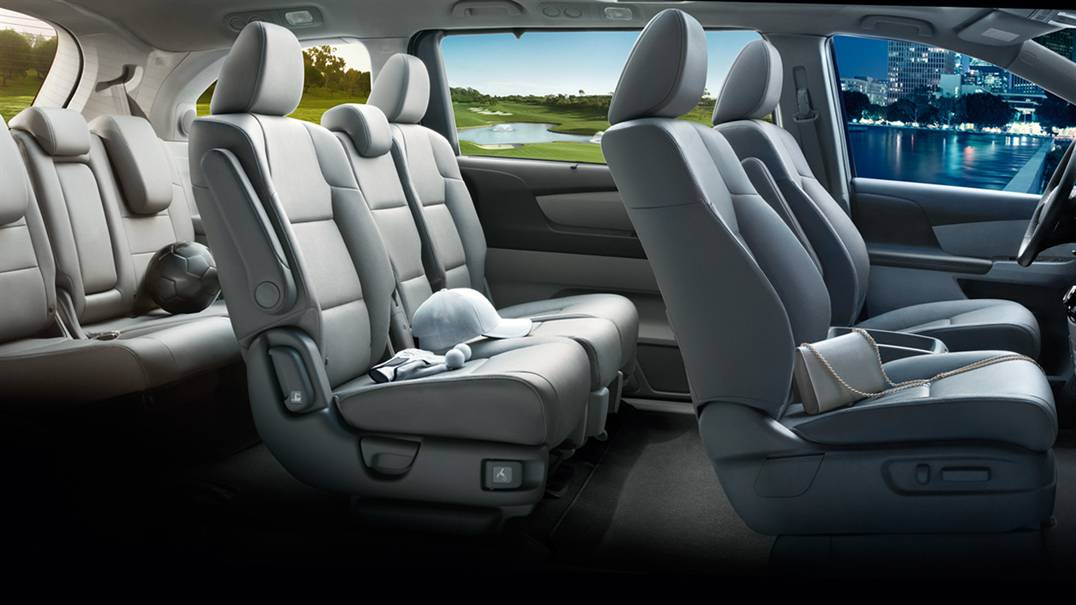 The 2017 Honda Odyssey Interior Dimensions and Design: a Family Room on the Road