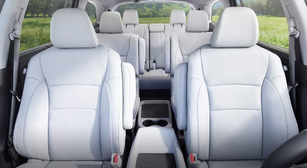 Honda Pilot Captains Chairs >> The 2017 Honda Pilot Interior A Home Away From Home