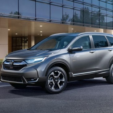 2017 CR-V Lady with Car