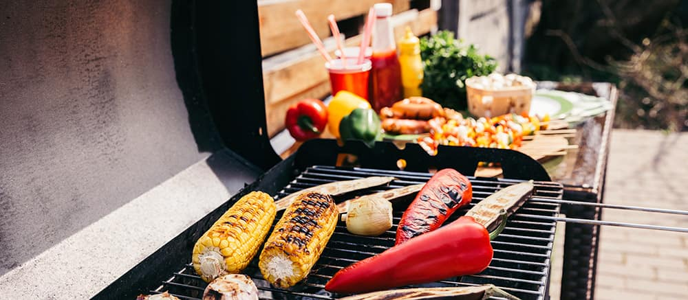outdoor barbeque dining