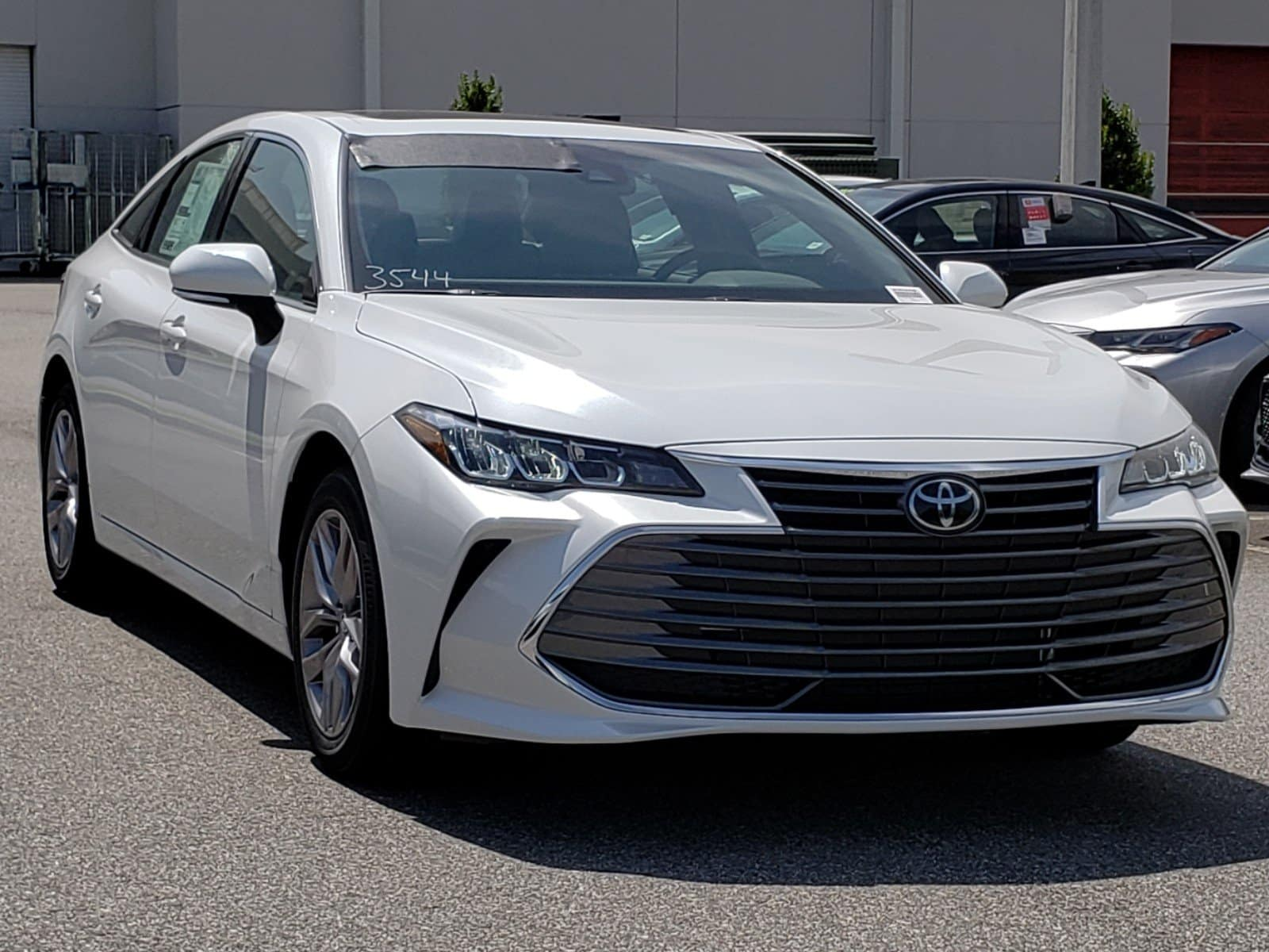 Toyota Avalon in Clermont