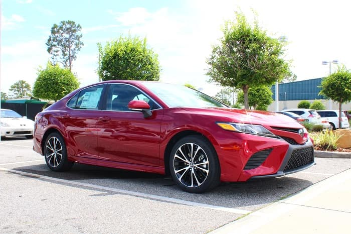 Get this new 2018 Toyota Camry with vehicle leasing today.